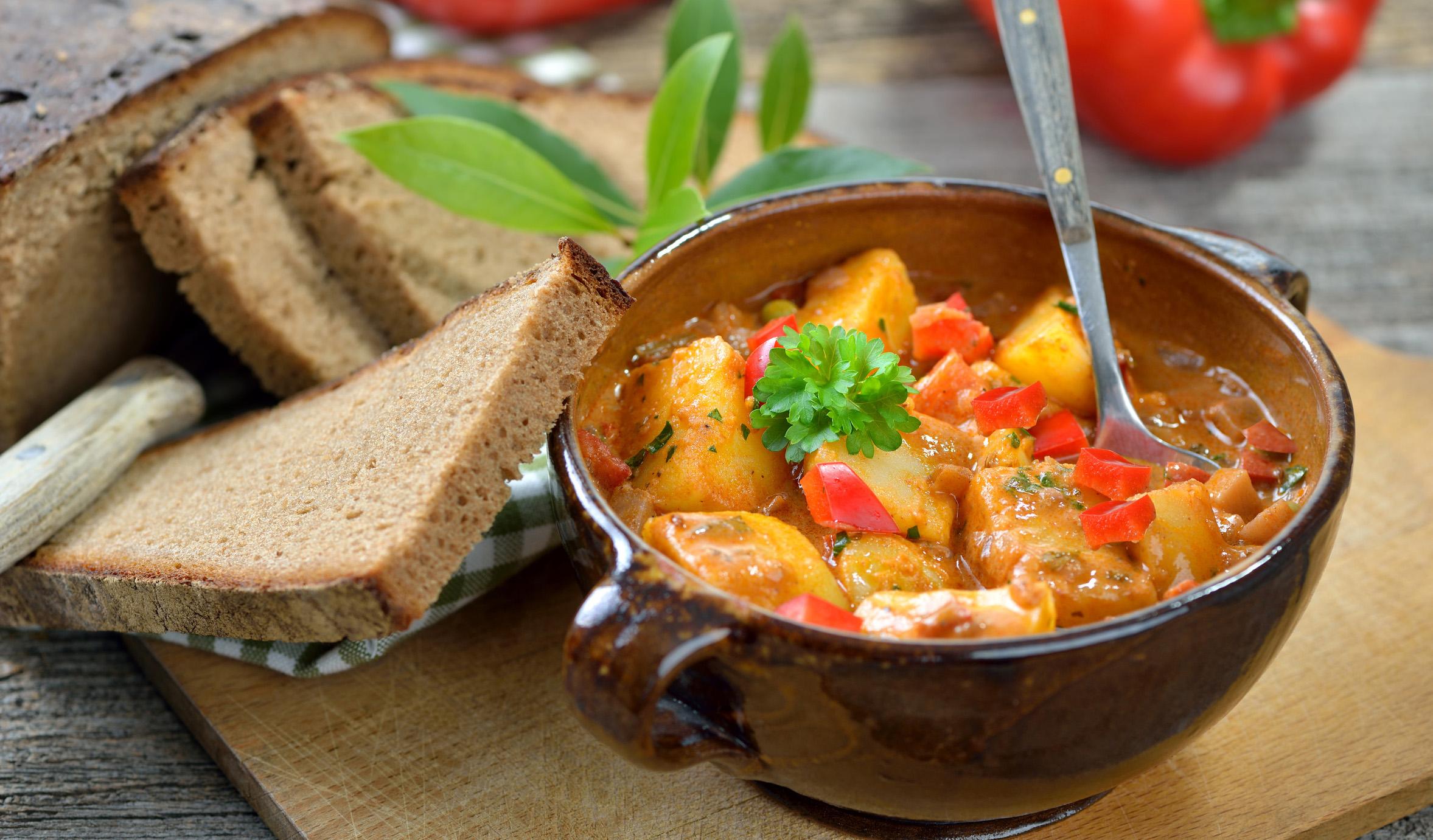 Deftiger Kartoffel-Gemüse-Eintopf